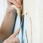 Как клеить обои на стену